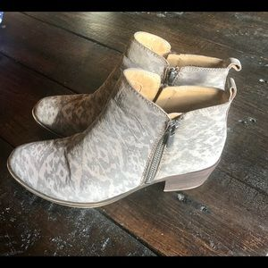 LUCKY BRAND ANKLE BOOTS Size 7.5M